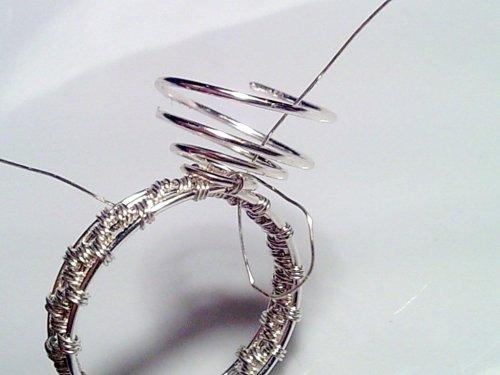 delilah\'s Beaded Bezel Wire Ring | Wire Weaving