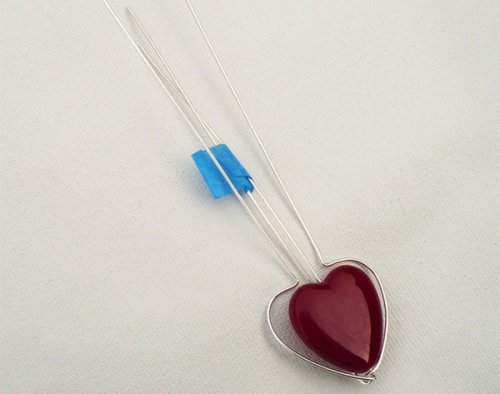Marty Blu's My Valentine Heart Pendant - , Contemporary Wire Jewelry, Wire Wrapping, Wrapping, Wire Wrapping Jewelry, Forming the straight wire around the heart shape.
