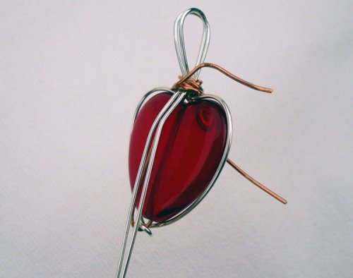 Marty Blu's My Valentine Heart Pendant - , Contemporary Wire Jewelry, Wire Wrapping, Wrapping, Wire Wrapping Jewelry, Creating a bail and wrapping the wires on the frame to the bail.