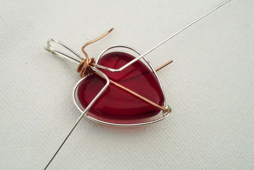 Marty Blu's My Valentine Heart Pendant - , Contemporary Wire Jewelry, Wire Wrapping, Wrapping, Wire Wrapping Jewelry, Use flat nose pliers to bend the two long bail wires down the back.