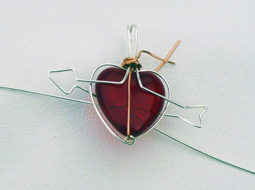 Marty Blu's My Valentine Heart Pendant - , Contemporary Wire Jewelry, Wire Wrapping, Wrapping, Wire Wrapping Jewelry, Forming the arrow shaft.