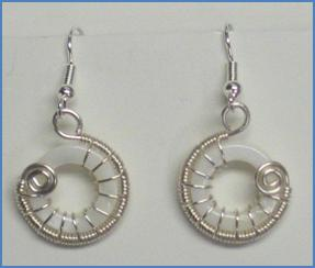 Judy Larson's Snail Trail Spiral Earrings - , Contemporary Wire Jewelry, Wire Wrapping, Wrapping, Wire Wrapping Jewelry, Weaving, Wire Weaving, Weaving Wire, Variation.