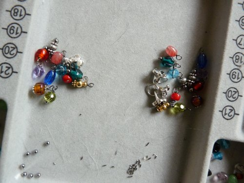 Rhonda Chase's Beaded Cluster Earrings - , Contemporary Wire Jewelry, Loops, Wire Loop, Wrapped Wire Loop, Wire Wrapping, Wrapping, Wire Wrapping Jewelry, More dangles.
