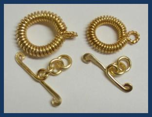 Judy Larson's Coiled Rosette Link - , Findings & Components, Toggles & Clasps, Earwire & Headpin, Coiling, Coiling Wire, Wire Coiling, Findings, Clasps, Components, Loops, Wire Loop, Wrapped Wire Loop, Spirals, Wire Spiral, Spiral Wire Wrap, Toggle clasps