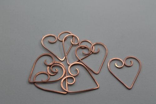 Abby Hook's Heart Frame Bracelet - Repeat Steps 2 - 5, Contemporary Wire Jewelry, Lashing, Wire Lashing, Jump Rings, Jump Ring, Making Jump Rings, make 6 hearts