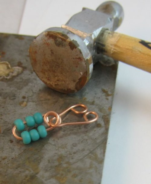 Karen Meador, Ph.D.'s Link-it Necklace - , Contemporary Wire Jewelry, Making Chain, Chain Making , make loops on each end