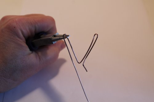 Judy Freyer Thompson's Wire Stick People - , Contemporary Wire Jewelry, Wire Wrapping, Wrapping, Wire Wrapping Jewelry, , make the second leg