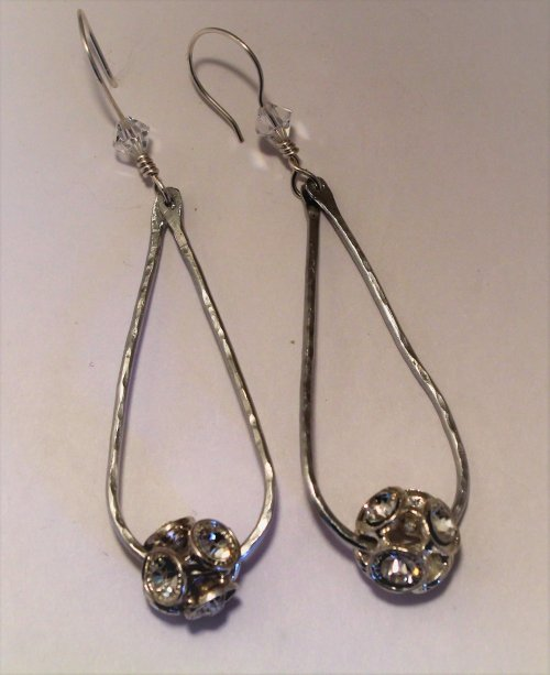 Judy Freyer Thompson's Elegant Earrings Take One - , Contemporary Wire Jewelry, Texturing, Drilling, Drill, elegant earrings
