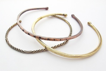 Kate Richbourg's Twisted Forged Cuffs - , Contemporary Wire Jewelry, Forging, Forging Jewelry, Jewelry Forging, Oxidizing Wire, Oxidizing, Antiquing Wire, Antiquing, Stamping, Stamps, Texturing, Butane Torch, Soldering, Solder, , Metal Wire cuffs