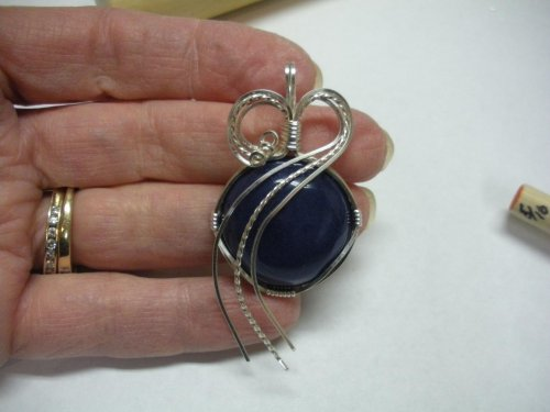 Judy Larson's Sweetheart Round Cabochon Pendant - , Classic Wire Jewelry, Wire Wrapping, Wrapping, Wire Wrapping Jewelry, cab pendant