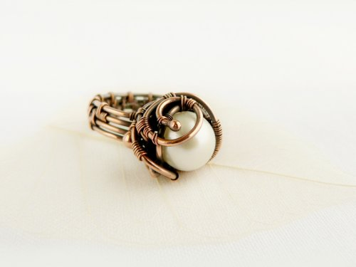 Woven Wire Pearl Ring