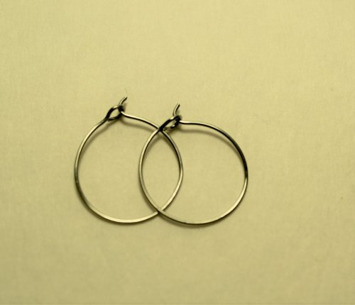 Judy Freyer Thompson's Simple Wire Hoop Earrings, Contemporary Wire Jewelry. Loops, Wire Loop, Wrapped Wire Loop. Hoops are everywhere, and very much in style.