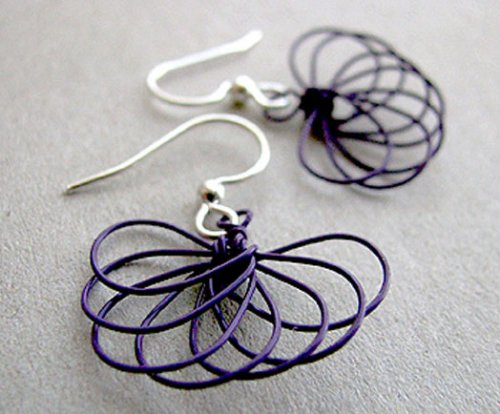 Albina Manning's Fan Fun Earrings, Contemporary Wire Jewelry. Wire Wrapping, Wrapping, Wire Wrapping Jewelry. I do enjoy working with colored craft wire.