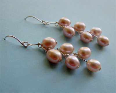 Albina Manning's Nailed Pearl Earrings, Contemporary Wire Jewelry. Wire Wrapping, Wrapping, Wire Wrapping Jewelry. While I was threading pearls onto headpins for another project, the way they were lying on the table brought this idea to me.