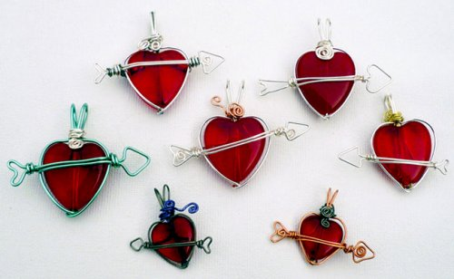 Marty Blu's My Valentine Heart Pendant, Contemporary Wire Jewelry. Wire Wrapping, Wrapping, Wire Wrapping Jewelry. Although when I created this design I was thinking of Valentine's Day, you may not see it at that particular time! However, I hope you enjoy learning how to incorporate your own freeform wire shapes within a design, accompanied by a special bead.