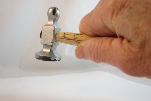 Karen Meador, Ph.D.'s Holding a Jewelry Hammer Properly - , Tool Tips, , don't choke up the hammer