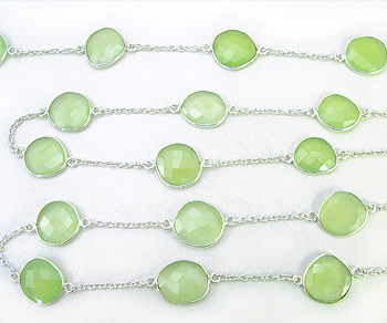 Sterling Silver Chain w/Bezelled Green Chaceldony 12.1x12.6 to 13.6x15.9mm - 1 Foot