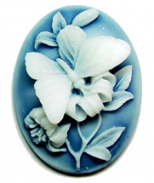 40x30mm Oval Fashion Cameo - Butterfly and Lillies White on Royal Blue