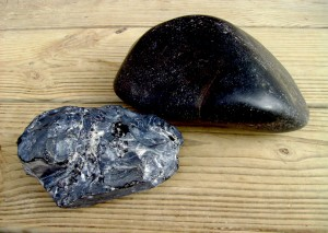 Rough and polished obsidian