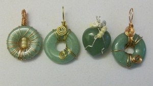 wire wrapped Aventurine donuts and aventurine heart