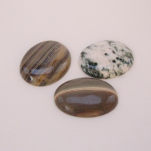 Silver leaf agate and tree agate cabochons photographed by Rose Marion for Wire-Sculpture.com