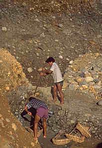 Mining jade at Maw-sisa, near Lonkin, Burma. Photo: Richard W. Hughes