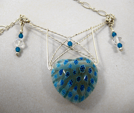 Free Wire Jewelry Pattern -Webbed Heart Necklace by Sonja Kiser