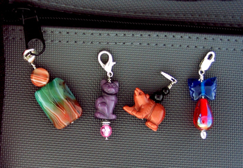 Free Wire Pattern - Zipper Pulls by Charley Key
