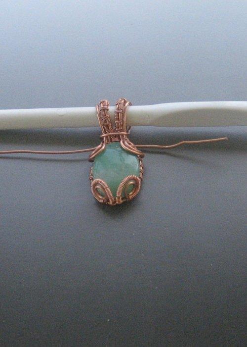 element_1674_dianna-biehl-mooses_cabochon-woven-wire-pendant-_Step 28