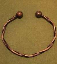 pattern_182_twisted-copper-wire-cuff