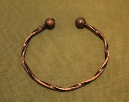 pattern_182_twisted-copper-wire-cuff