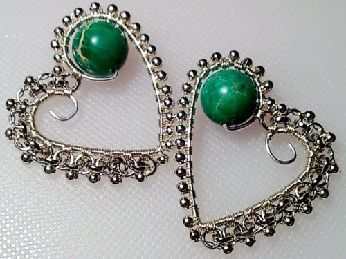 element_724_delilah_silver-beaded-heart-wire-earrings_19