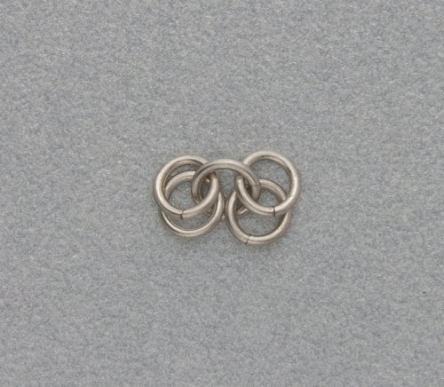 element_2455_kylie-jones_venetian-glass-chain-maille-bracelet_2a