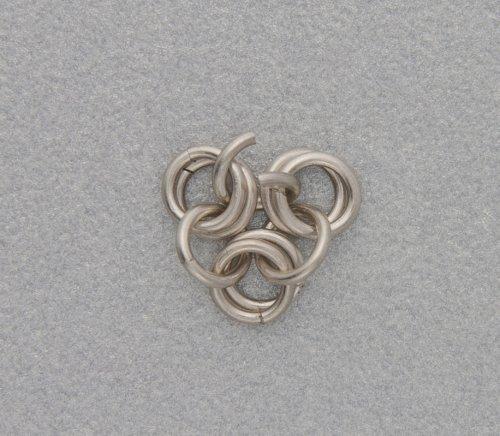 element_2458_kylie-jones_venetian-glass-chain-maille-bracelet_3a